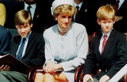 Diana com os filhos William e Harry