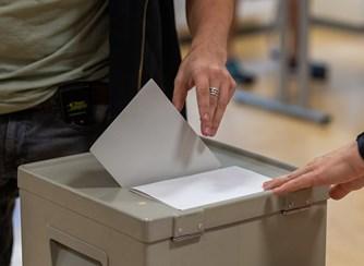 Resultado de imagem para Mais de 10,8 milhões de eleitores escolhem hoje os 230 deputados da Assembleia da República